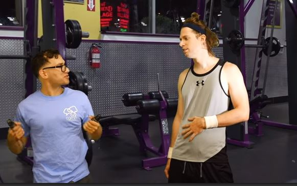 Gym Trainer meets the girl whose abs he aids at the gym for the first time